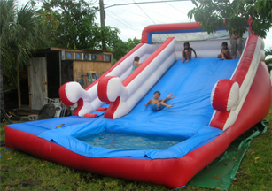 This front entry water slide is recommended for children between the